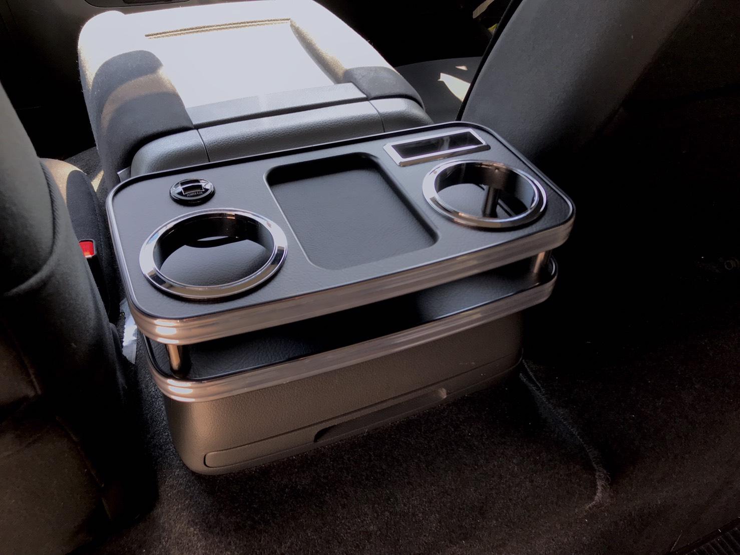 BUSSELL USB急速充電ポート付き セカンド(コンソール後側)センターコンソールテーブル NV350キャラバン(前期/後期 2WD/4WD共通)